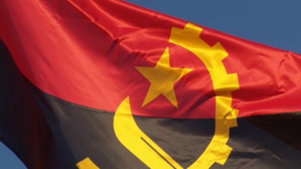 14_11_13_Festa_Angola
