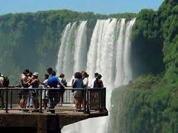 Brasil atinge recorde de 6 milhões de turistas estrangeiros em 2013