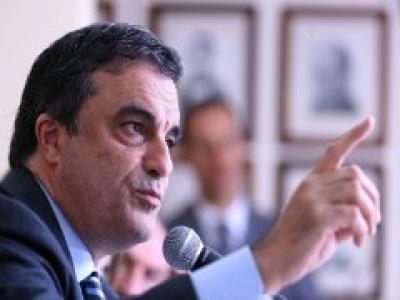 MINISTRO DA JUSTIÇA RECONHECE PROBLEMA DA IMIGRAÇÃO NO BRASIL E ADMITE REVER LEGISLAÇÃO.